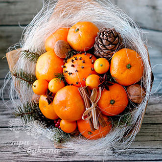 buket-mandarinov-s-pryanostyami